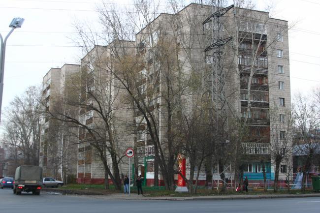 Нахимова 4, Советская 114