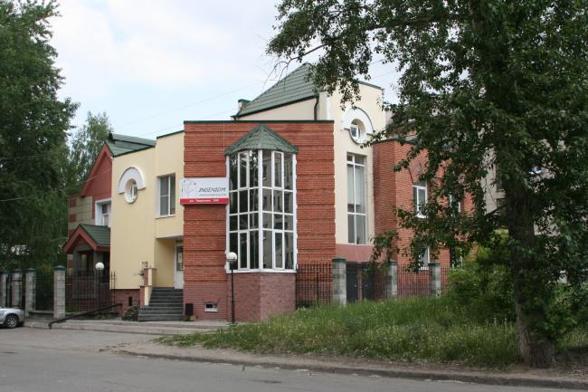 Тверская 100