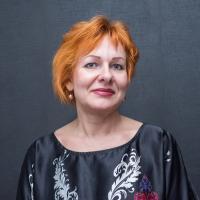 Светлана -Массажист высшей категории. -Преподаватель йоги. -Работает в сфере красоты более 10 лет.