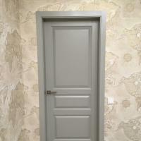 Дверной блок из массива сосны с покраской по каталогу RAL.Цвет7038