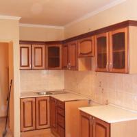 Кухонные фасады из массива сосны.Стоимость за 1 м/кв-6000.Мы рады предложить вам фасады из натурального дерева, под уже имеющиеся кухонные гарнитуры и шкафы.Так же вы можете заказать у нас кухонный гарнитур