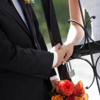 Бутоньерка и букет невесты