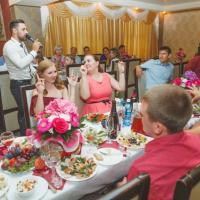 веселые гости-залог отличной свадьбы!