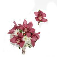 №104 Вишневая орхидея цимбидиум,украсила этот чудесный букет!