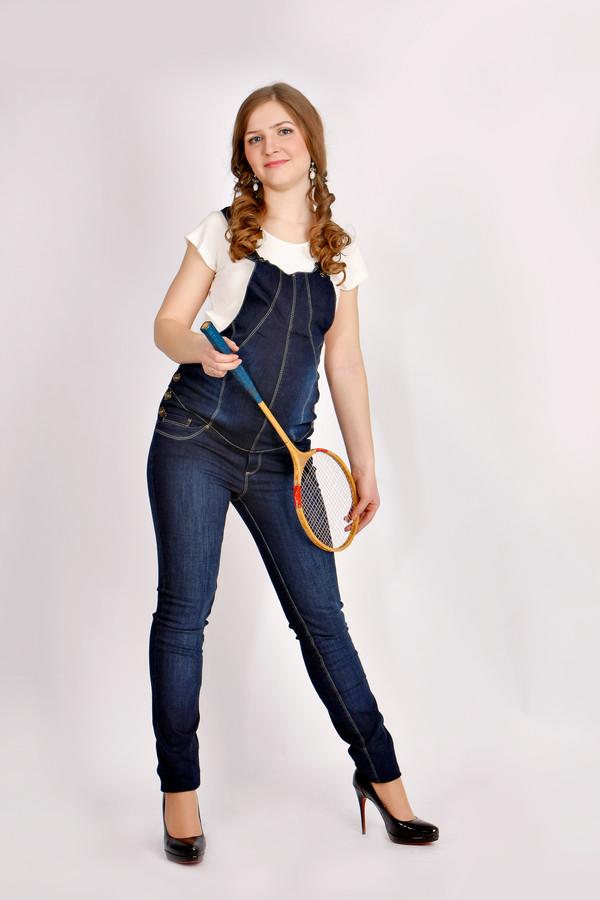 Комбинезон джинсовый, рр XS(42). Производство Китай. Состав ткани: х/б 95%, лайкра 5%.(стрейч), цвет синий Цена  2950 руб. Цена со скидкой 2200 руб.  В наличии несколько фасонов одного размера