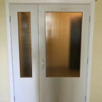 Тамбурные двери с армированным стеклом