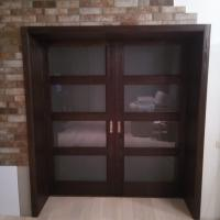 Раздвижная двустворчатая дверь