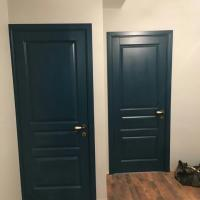 Дверной блок из массива сосны с покраской по каталогу RAL.Цвет 5020