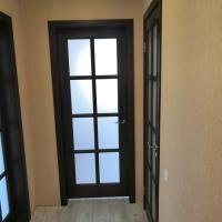Двери из массива сосны.Модель :эскиз№17 Цвет Р-46-4.Стекло матовое бесцветное.